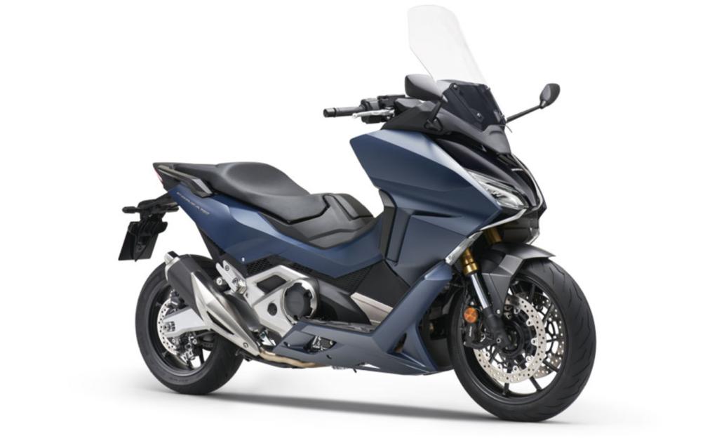 location honda forza 750 avec lease bike